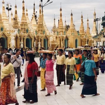 Festivität an der Shwedagon